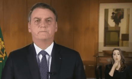 Presidente Bolsonaro faz pronunciamento em Rede Nacional de Rádio e Televisão; Assista