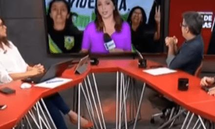 """Globo News é interrompida ao vivo aos gritos de """"É Bolsonaro!"""""""