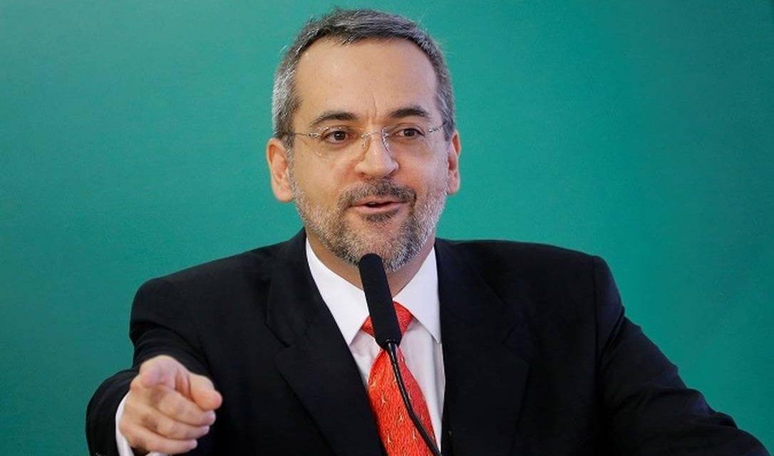 Ministro da Educação anuncia canal para denúncias: 'Manifestações são democráticas. Coação é ilegal'