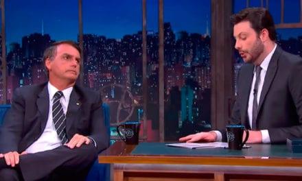Bolsonaro se emociona em entrevista com Danilo Gentili