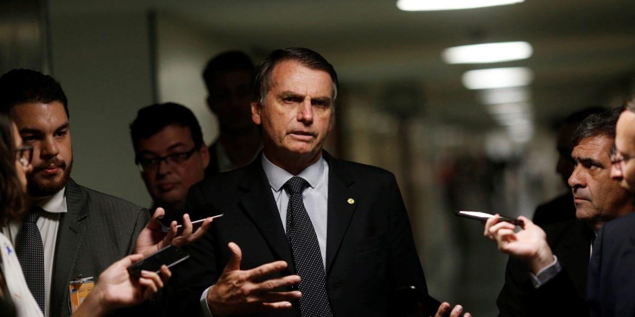 Bolsonaro retruca artigo da Folha de S. Paulo: 'Mais uma vez, 100% Fake News!'