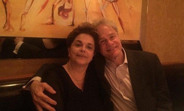 """""""Namorado da Dilma"""" é um dos responsáveis pelos protestos em NY contra Bolsonaro"""