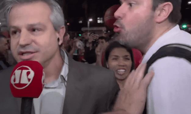 Repórter da Jovem Pan desabafa sobre agressões sofridas durante manifestação da Extrema-Esquerda