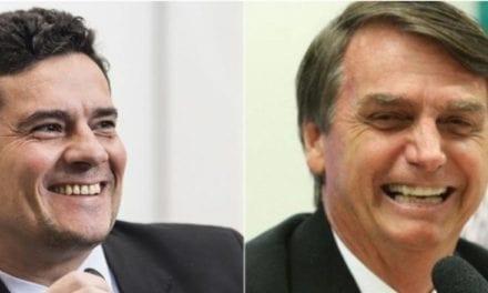 Bolsonaro e Sérgio Moro discursam em Curitiba