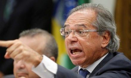 Deputado petista xinga Paulo Guedes de criminoso devido à Previdência, causa tumulto e recebe lição de moral