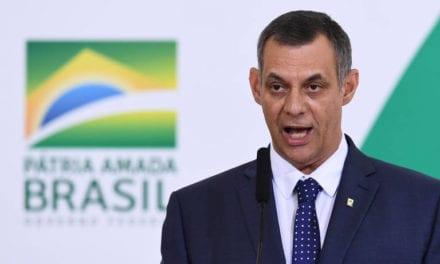 Jornalistas falam sobre impeachment e renúncia de Bolsonaro; porta-voz, General Rêgo Barros, rebate
