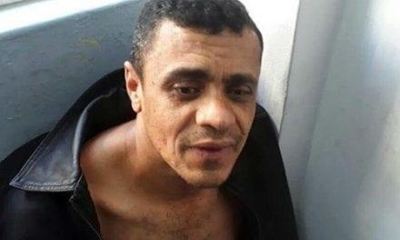 """""""Se depender de mim, ele vai morfa na cadeia."""" Diz Bolsonaro sobre Adélio – Programa do Ratinho"""