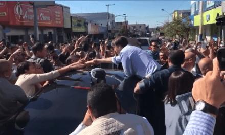 Jair Bolsonaro é recebido calorosamente no Mato Grosso