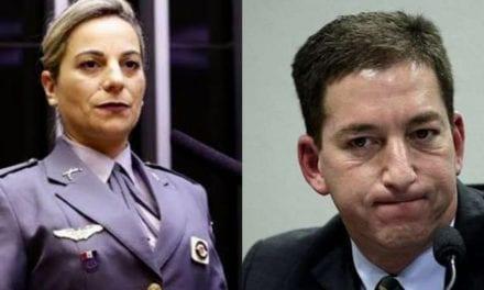 """Video: Sem papas na língua, Deputada policial Katia Sastre, diz frente a frente com Glen Greenwald que ele """"deveria sair preso da Câmara"""""""
