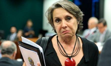 """Deputada petista que vivia perguntando """"Cadê o Queiroz"""", se torna ré por desvio de salário de assessora"""
