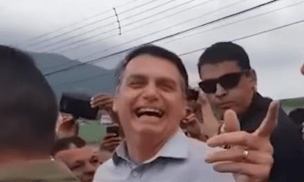 No interior de São Paulo, cidadão pede a Bolsonaro para fechar o Senado e presidente responde de maneira bem humorada