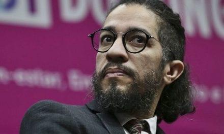 Jean Wyllys chama filho de Bolsonaro de bicha enrustida