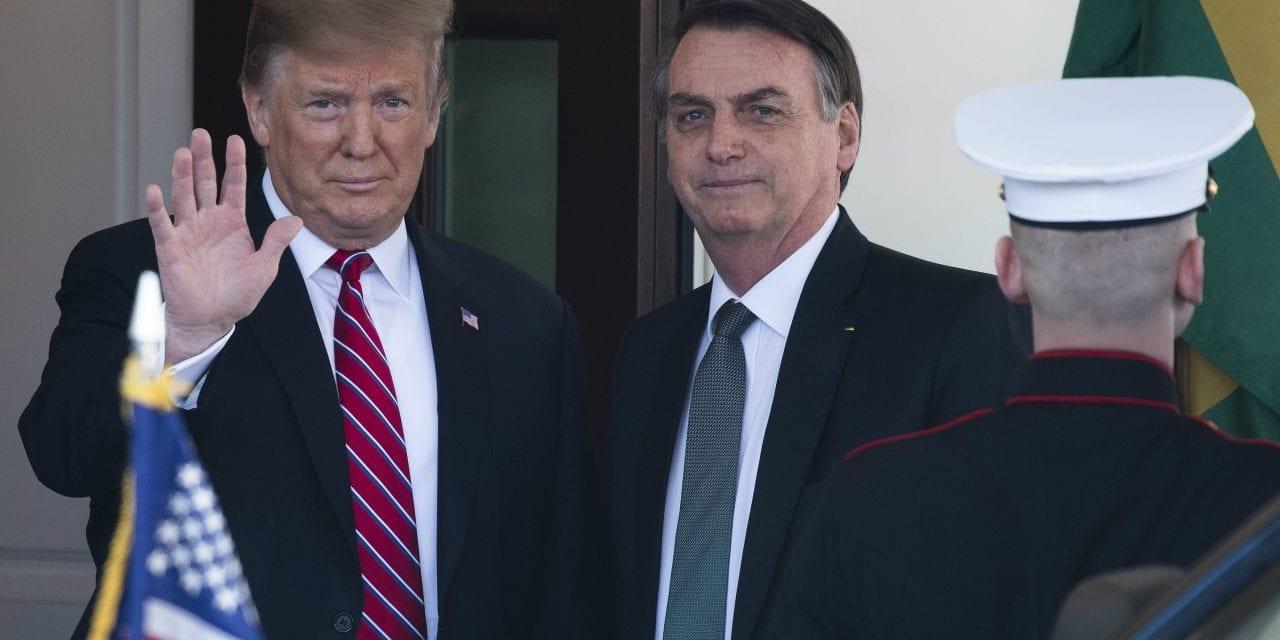 No Twitter, Trump 'vinga' Bolsonaro e cala prefeito esquerdista de Nova York