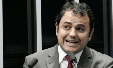 Petição online pedindo a cassação de deputado que insultou Moro já ultrapassa de 89 mil assinaturas