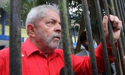 """Encarcerado, Lula dispara: """"Se juntar todos no liquidificador não são mais honestos do que eu"""""""