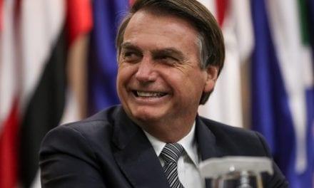 Bolsonaro 'cancela' recursos para filme sobre sua vitória nas eleições