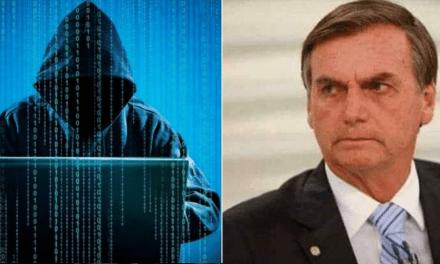 """PF alerta Bolsonaro que quadrilha também invadiu seu celular, e ele afirma: """"O Brasil não é mais terra sem lei"""""""