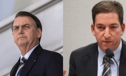 """Bolsonaro fala sobre Greenwald: """"Talvez pegue uma cana aqui no Brasil"""""""