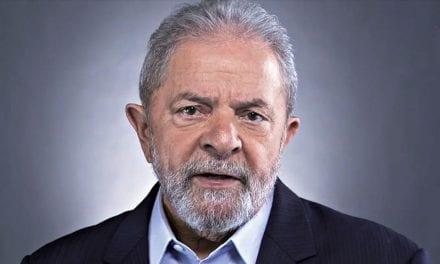 """Para Lula, Moro """"deve pedir desculpas à sociedade brasileira"""""""