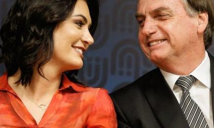 Primeira-dama Michele Bolsonaro responde humorista sobre foto romântica com Jair