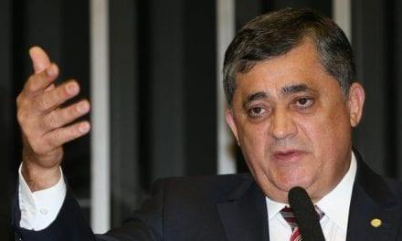Deputado do PT diz que é hora se pensar em um impeachment de Bolsonaro
