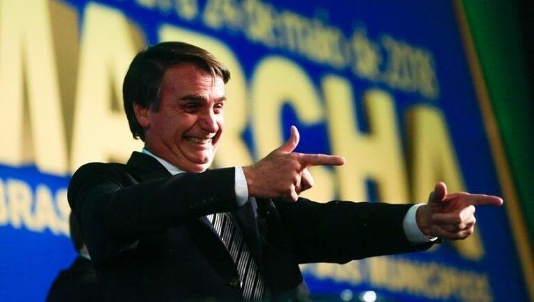 Bolsonaro aparece com 61,9% de aprovação em nova pesquisa
