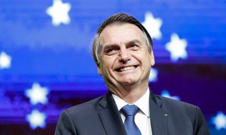 """Bolsonaro publica dados que mostram recuperação econômica do Brasil e manda recado: """"Contra fatos não há argumentos"""""""