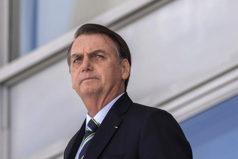 Bolsonaro critica presidente da França sobre Amazônia