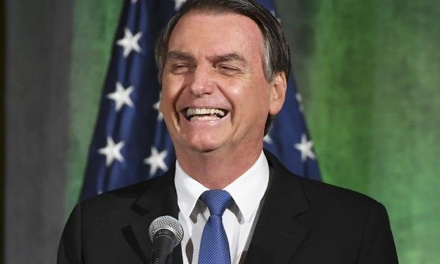 """Presidente Bolsonaro diz que comunistas são o """"cocô do Brasil"""""""