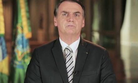 Nunca no mundo um país foi tão roubado quanto o Brasil na era PT, diz Bolsonaro