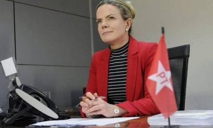 Gleisi diz que 'Bolsonaro é um bandido' e que Lula será candidato a presidência em 2022