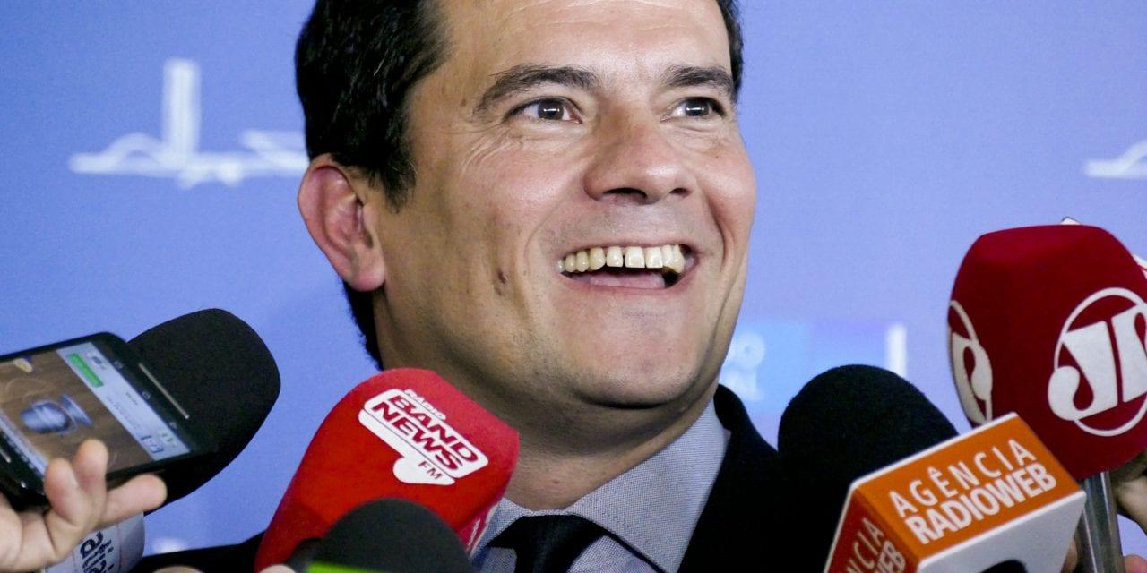 Mesmo com ofensiva da esquerda e da mídia, popularidade de Moro volta a crescer