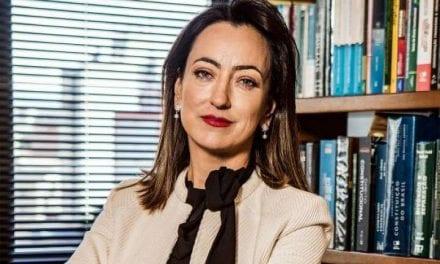 """Esposa de Moro publica foto e manda recado para feministas: """"Sorry"""""""