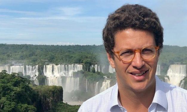 Na internet, esquerdistas desejam a morte de ministro Sales após sua internação