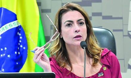 Senadora entra com pedido de suspensão das redes sociais de Lula