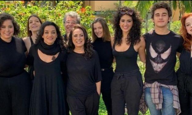 Artistas da Globo se vestem de preto para protestar contra Bolsonaro