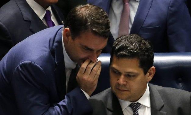 Flavio Bolsonaro e Alcolumbre juntos contra a CPI da Lava Toga