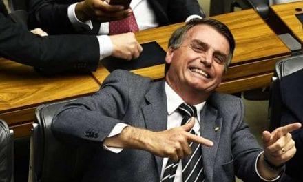 Se eleição presidencial fosse hoje, Bolsonaro venceria com mais de 75% dos votos, diz pesquisa