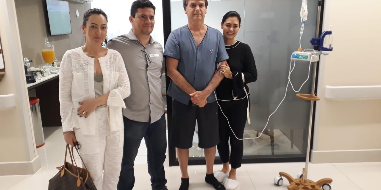 """Ainda internado, Bolsonaro recebe a visita de Sergio Moro: """"O homem é forte"""""""