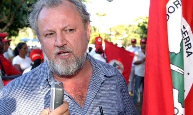 """Stédile, membro do MST, sobre ocupações de terra durante governo Bolsonaro: """"tempo de recuo"""""""