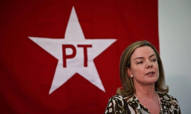 Gleisi Hoffmann enlouquece após deputado dizer que o PT tem envolvimento com o PCC