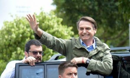 """Após ataques da esquerda, internet manda recado: """"Bolsonaro Orgulha do Brasil"""""""