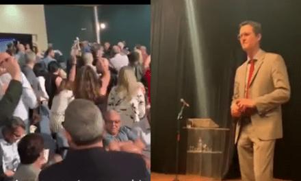 Vídeo: Em evento, petistas causam tumulto, são expulsos, e Deltan é aplaudido