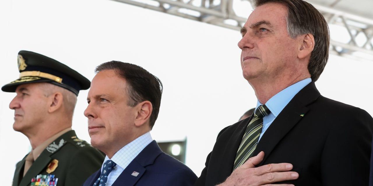 Em evento, Bolsonaro é chamado de 'mito' e João Doria é vaiado