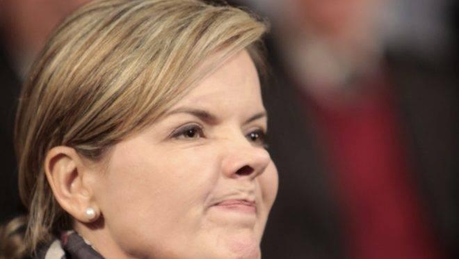 Gleisi Hoffmann reconhece que possível decisão do STF favorável a Lula pode beneficiar milhares de presidiários