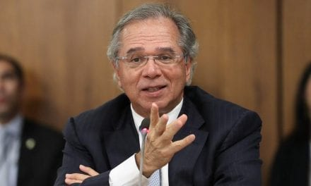 Paulo Guedes é eleito melhor ministro de economia do mundo em 2019