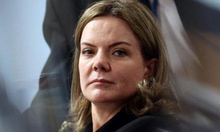 Gleisi Hoffmann faz ilações sobre citação de Bolsonaro no caso Marielle