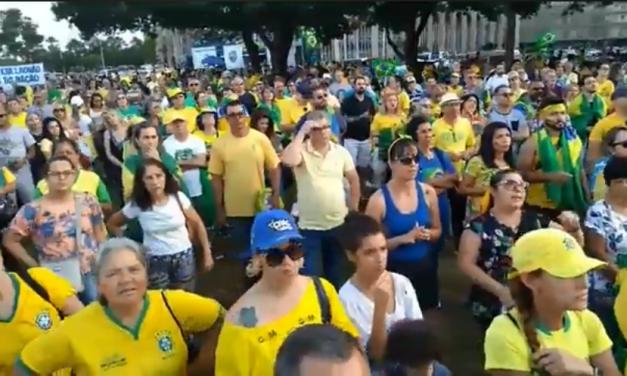 Manifestações em Brasília pelo impeachment de Gilmar Mendes