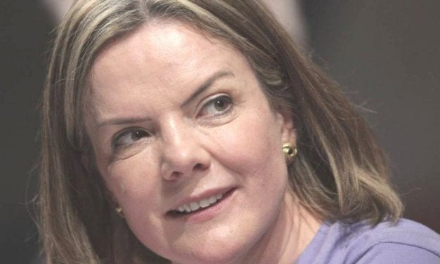 Gleisi Hoffmann acusa Governo Bolsonaro de dar licença para matar após anúncio de novo projeto