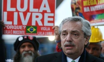 """Presidente da Argentina barra Lula na posse para não """"irritar ainda mais"""" Bolsonaro"""